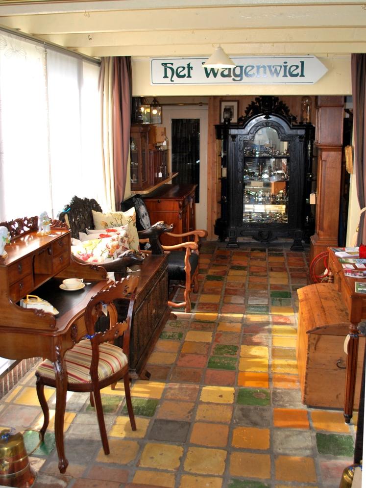 Antiekboerderij-Het-Wagenwiel-Gasselte-toonzalen-9