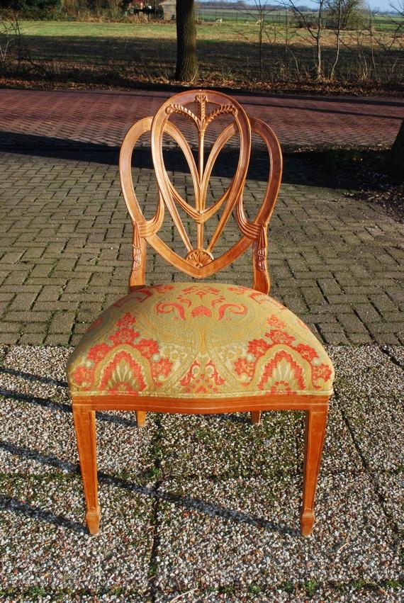 Hepplewhite stijl stoel, beukenhout, 20e eeuw, nieuw bekleed - Antiekboerderij het Wagenwiel (13)
