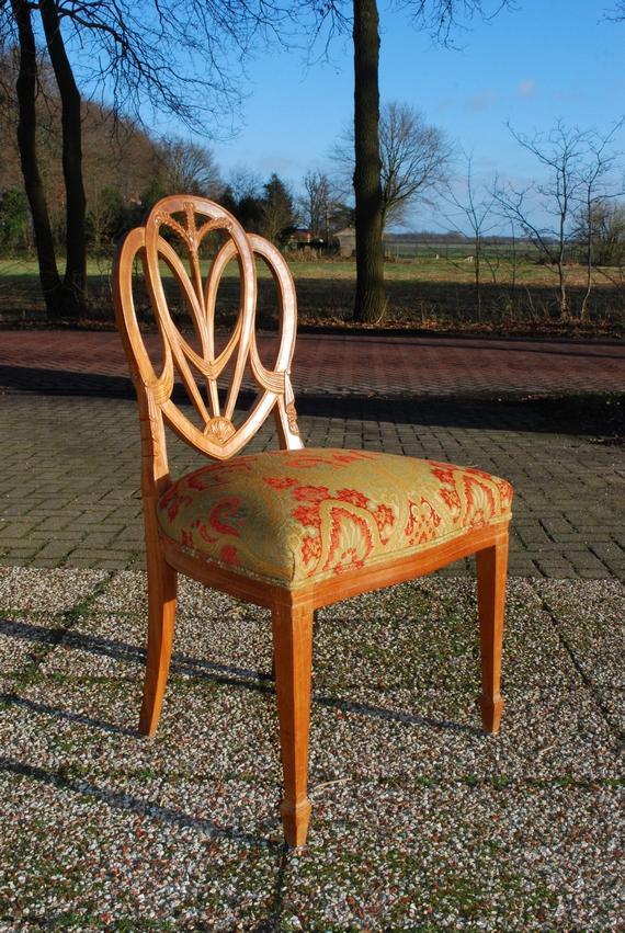 Hepplewhite stijl stoel, beukenhout, 20e eeuw, nieuw bekleed - Antiekboerderij het Wagenwiel (15)