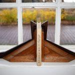 Boekensteunen eiken coromandel Amsterdamsche School 1920 - Antiekboerderij Het Wagenwiel