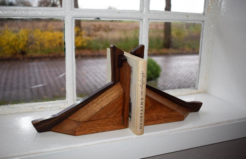 Boekensteunen eiken coromandel Amsterdamsche School 1920 - Antiekboerderij Het Wagenwiel 2