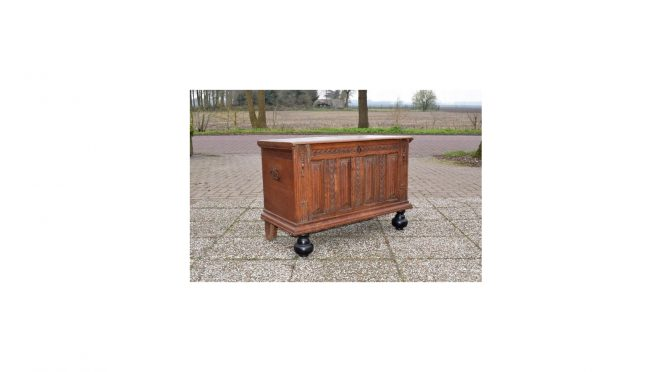 Antieke kist / commode, eiken, Hollands – 18e eeuw