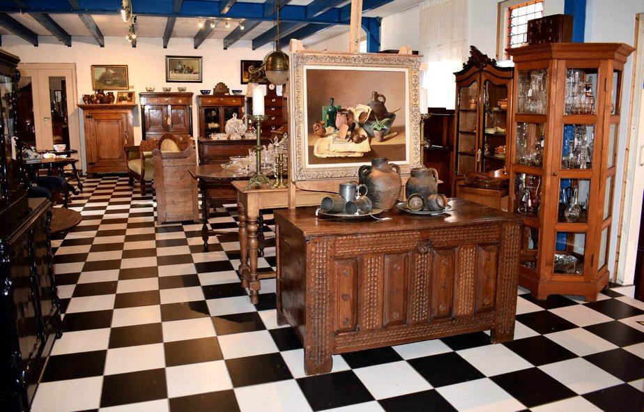 Het Wagenwiel entree winkel showroom antiek (1)